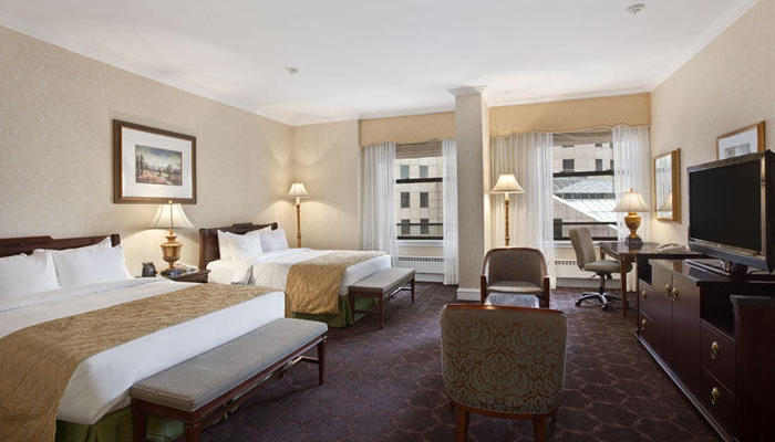 Family rooms the drake hotel chicago for Drake hotel decor